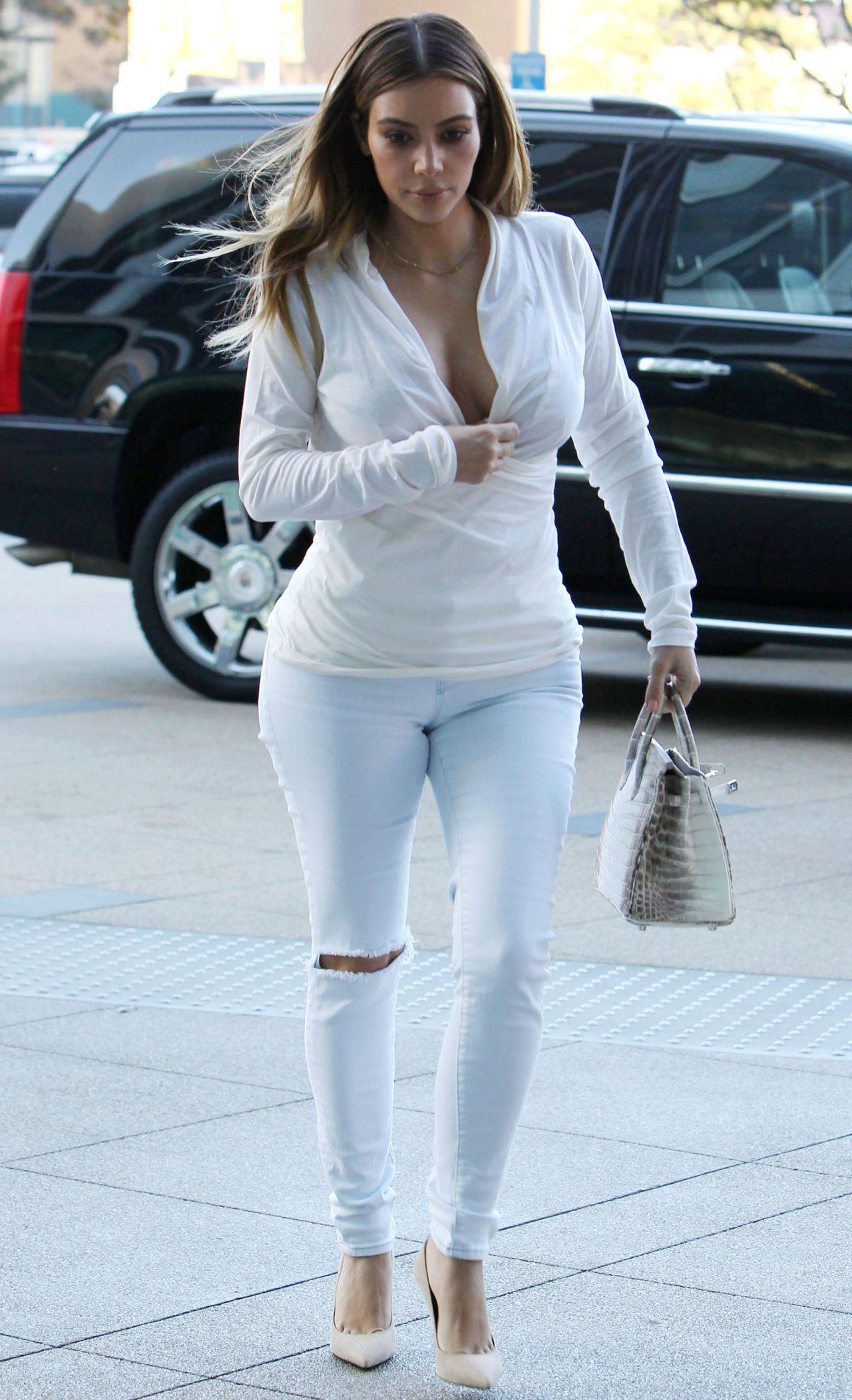 Kim Kardashian Best Street Style Moments | Kardashian, Street styles ...