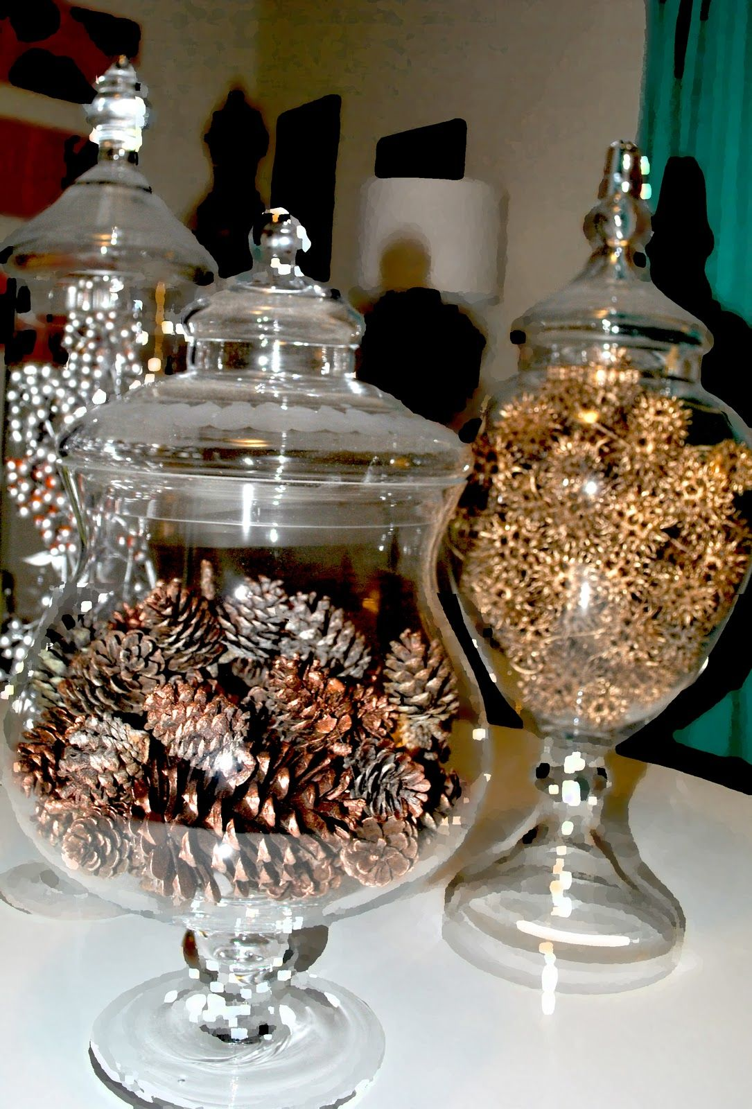 Sweetgum Balls Pinecones Are Painted Bronze The Sweet Gum Balls Gold And In My Third Natural Christmas Decor Sweet Gum Tree Crafts Sweet Gum