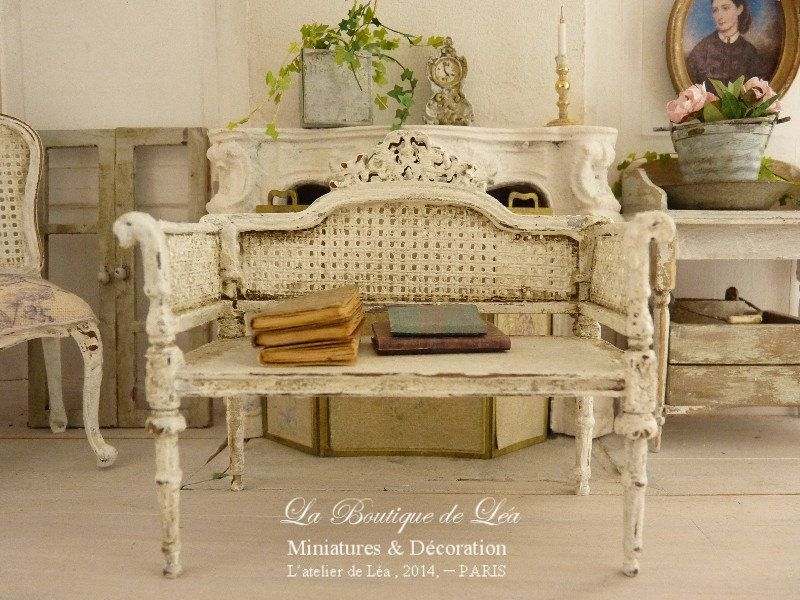 Shabby French loveseat White distressed Caning imitation