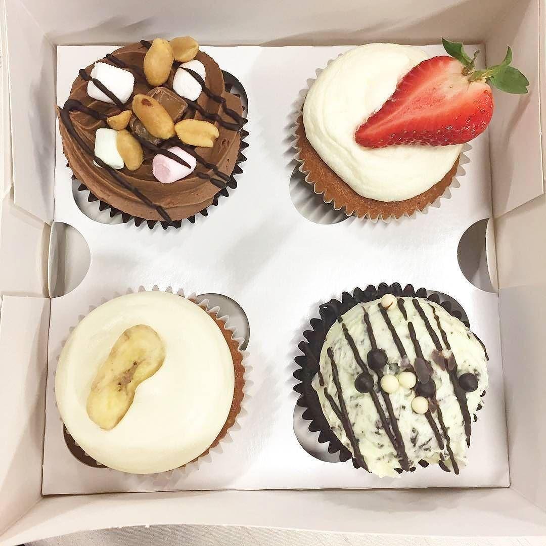 Tänä viikonloppuna @minnabakes -faneja hemmotellaan  Jos maistoit cupcakeja tai macaronseja tänään tai eilen @wemmimarkkinat -messuilla ja ihastuit voit tulla hakemaan lisää huomenna sunnuntaina Jyväskylän Vakiopaineesta klo 11-16 #kotimaistenpopup #minnabakes #wemmi #wemmimarkkinat #nam  #repost @minnabakes