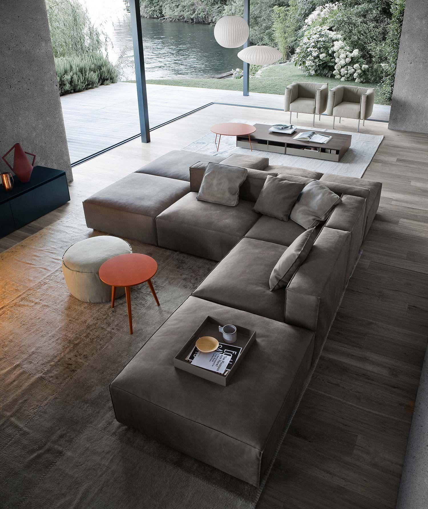 Sofas richtig im wohnzimmer platzieren wohnen for Minimalistische wohnungseinrichtung