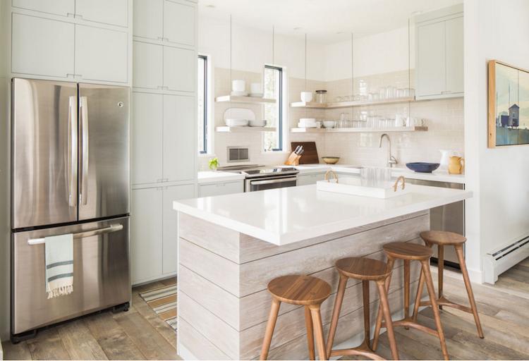 petite cuisine avec lot central ayant toute la fonctionnalit d une grande cuisine. Black Bedroom Furniture Sets. Home Design Ideas