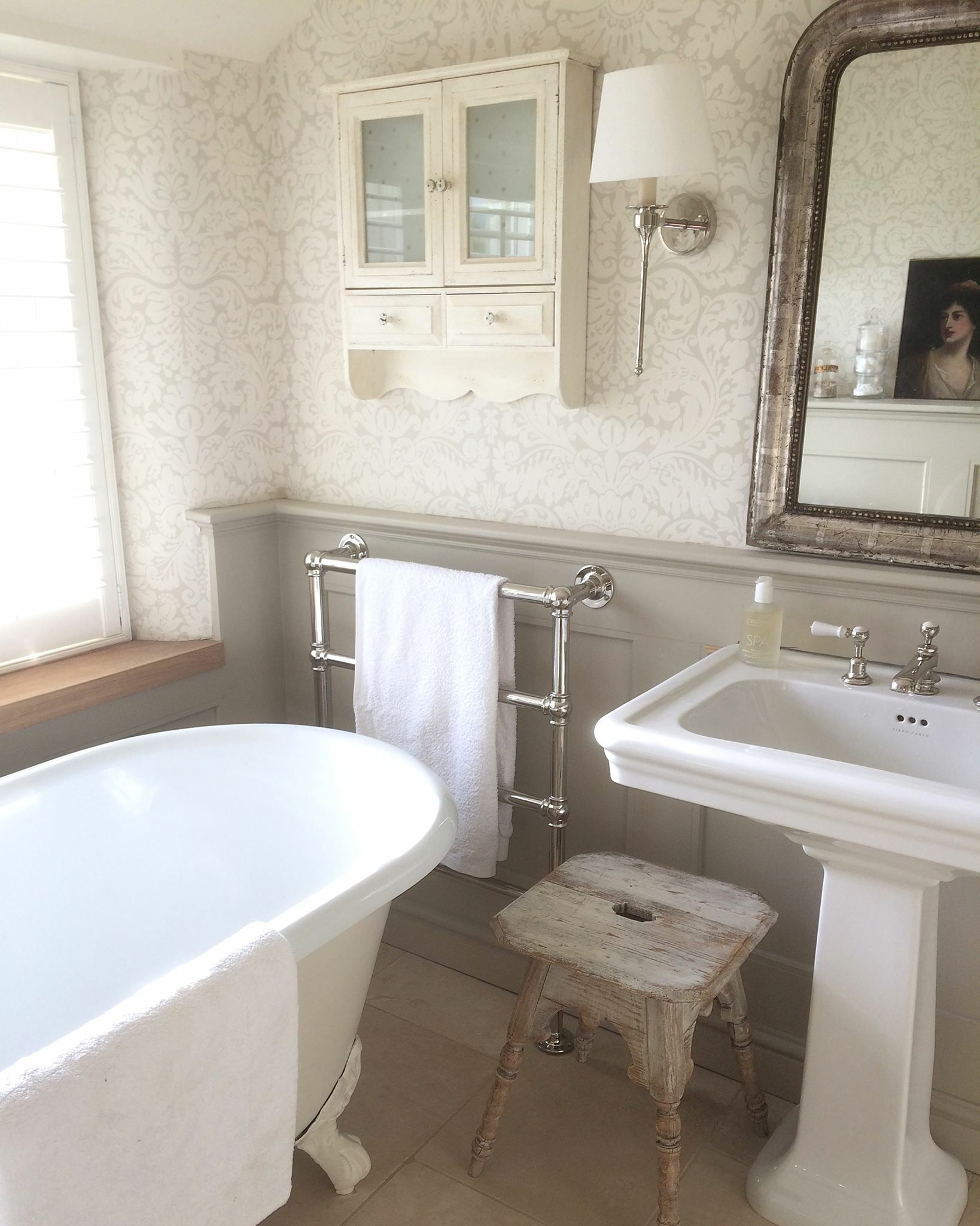 Pin by Tracey Zaffino on Tracey   Pinterest   Vintage bathrooms