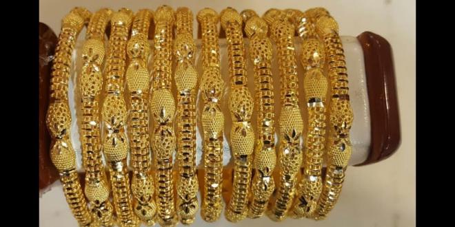 سعر الذهب في مصر والسعودية اليوم الاثنين 16 7 2018 والمعدن النفيس يستقر Gold Gold Bracelet Jewelry