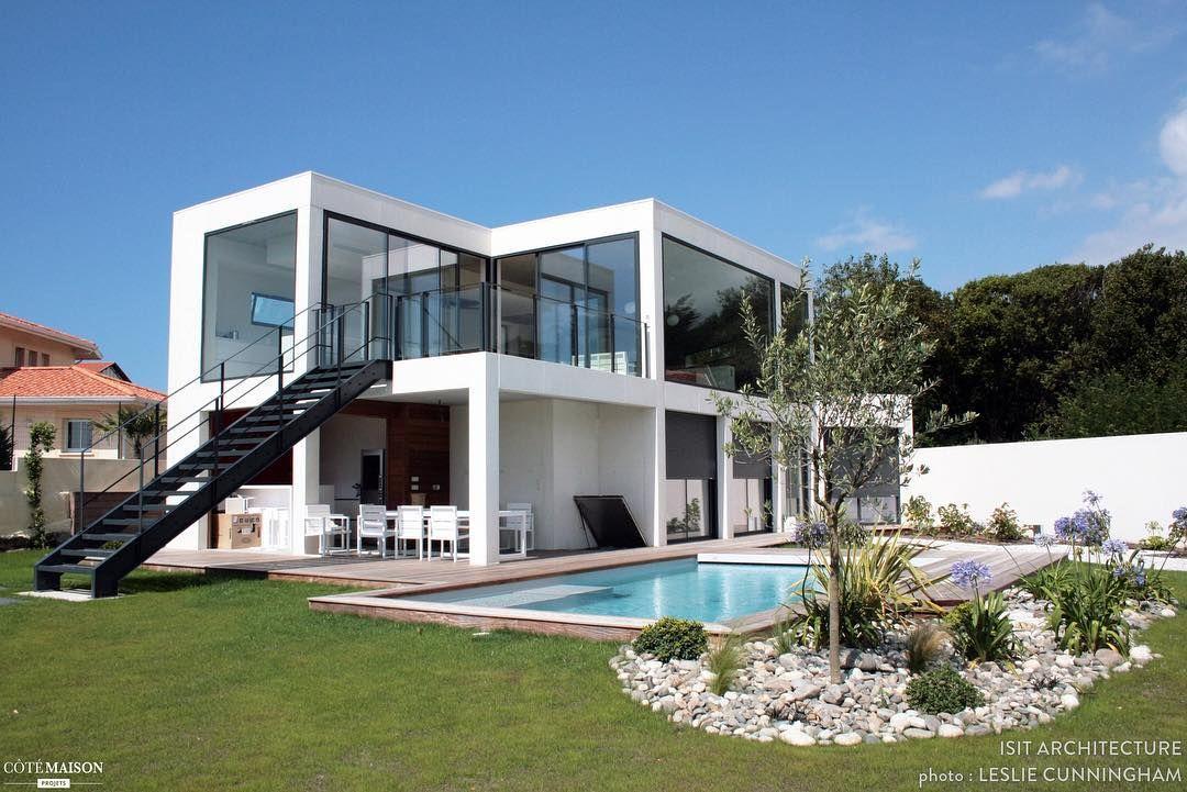 superbe villa contemporaine de 230 m2 ralise par larchitecte nicolas boyer disit architecture biarritz le plus cette villa a une vue magnifique sur - Maison Moderne Biarritz