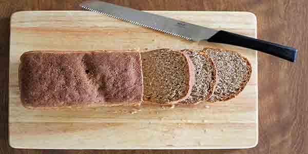 Pão Integral Eu realmente gosto de fazer o meu próprio pão para sanduíches. A primeira vez que eu tentei, fiz todo o pão com trigo normal, que foi realmente