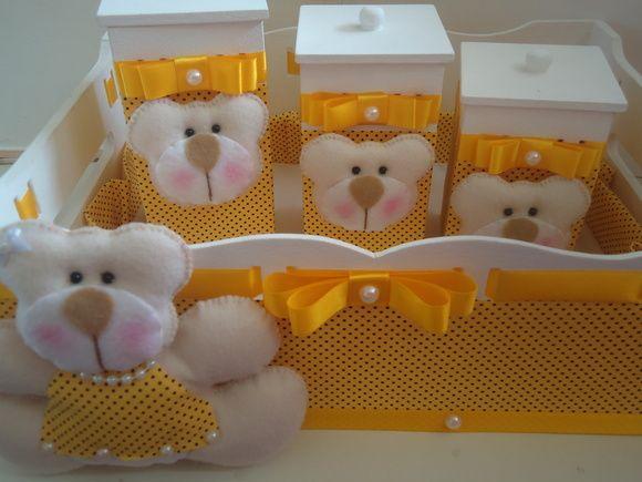 Kit Higiene Ursa Amarelo com poás marrom, mais uma delicadeza de www.ternuraemfeltro.com.br.