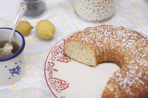 bundt cake de limón y semillas de amapola