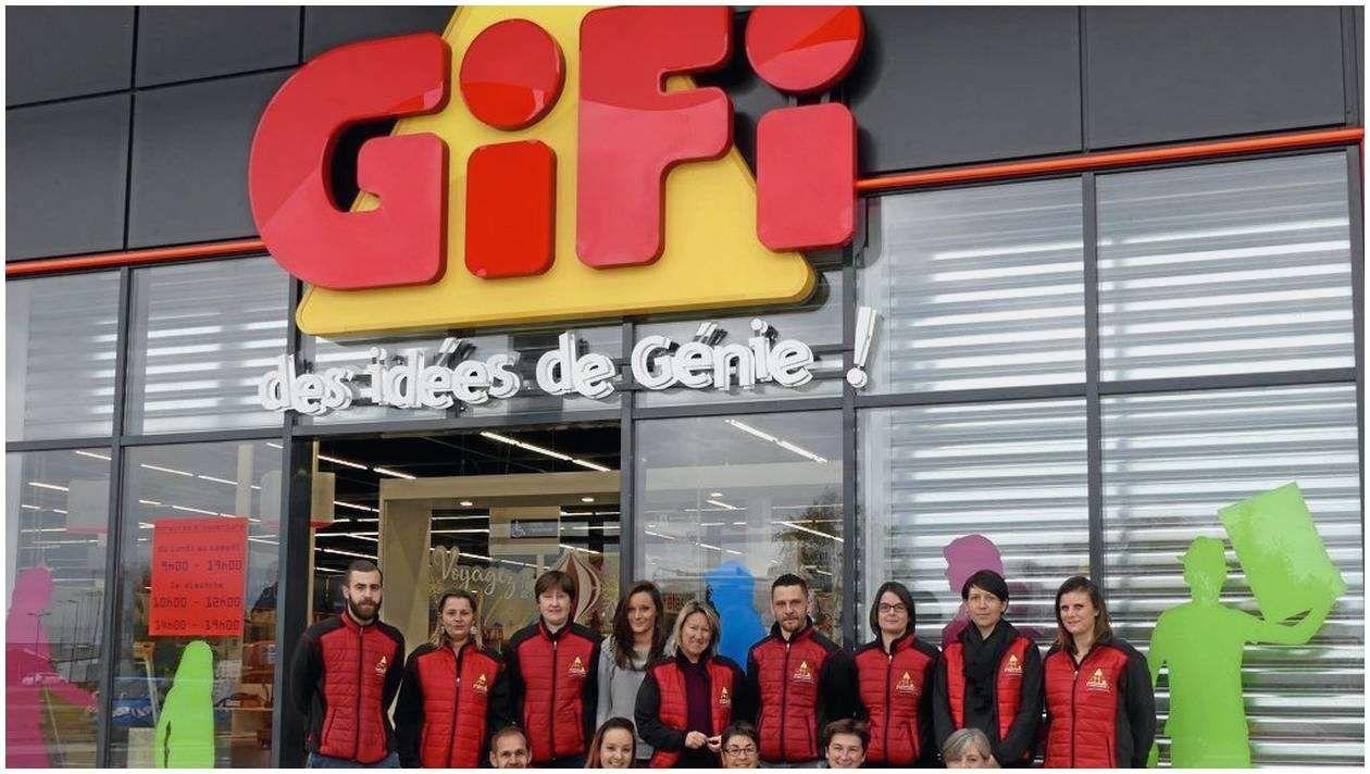 70 Montage Store Enrouleur Jour Nuit Gifi 2017 Store Enrouleur Jour Nuit Store Enrouleur Jour Nuit