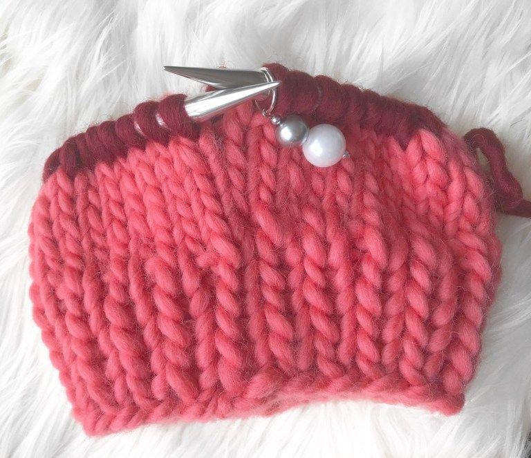 Two-Tone Chunky Beanie | Chunky knitting patterns, Beanie ...