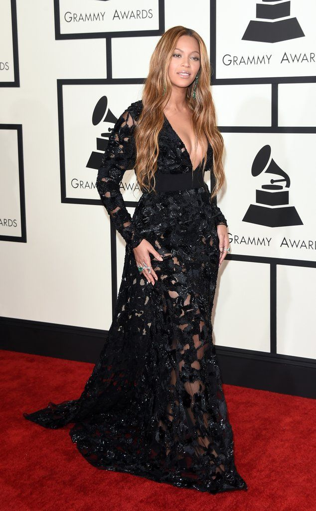 Beyonce Thanks Her Beloved Husband And Blue Ivy After A Grammys Win In 2020 Award Show Dresses Fashion Dresses