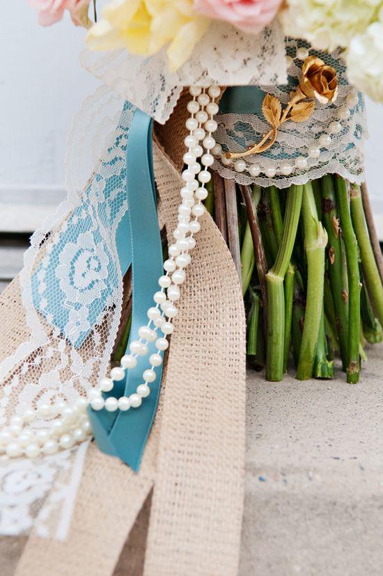 #novias #brides una combinacion de cintas en la q destaca el #encaje