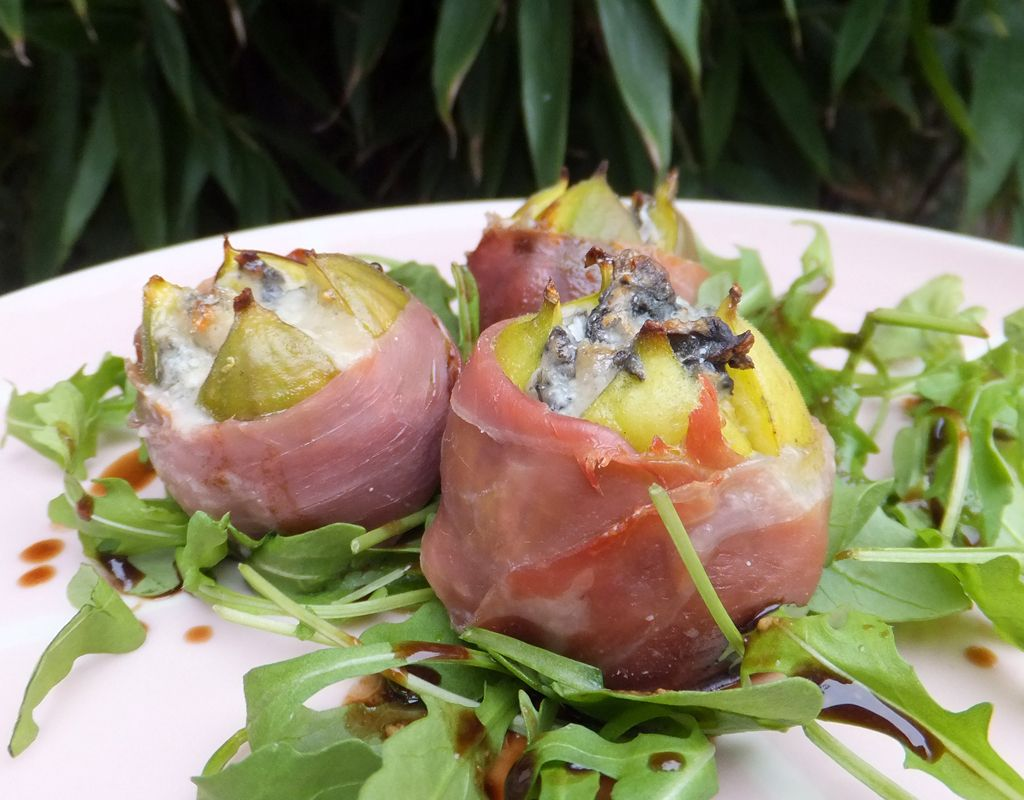 Baked figs with Gorgonzola and Parma ham (With images ...