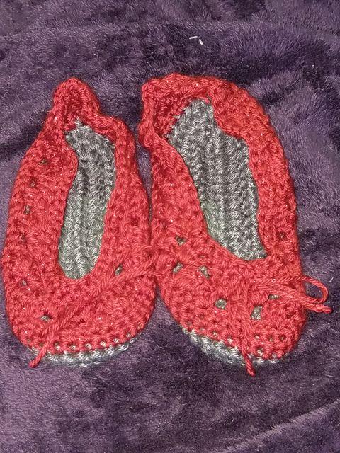 Ravelry: mandi76's Oldest daughter slippers