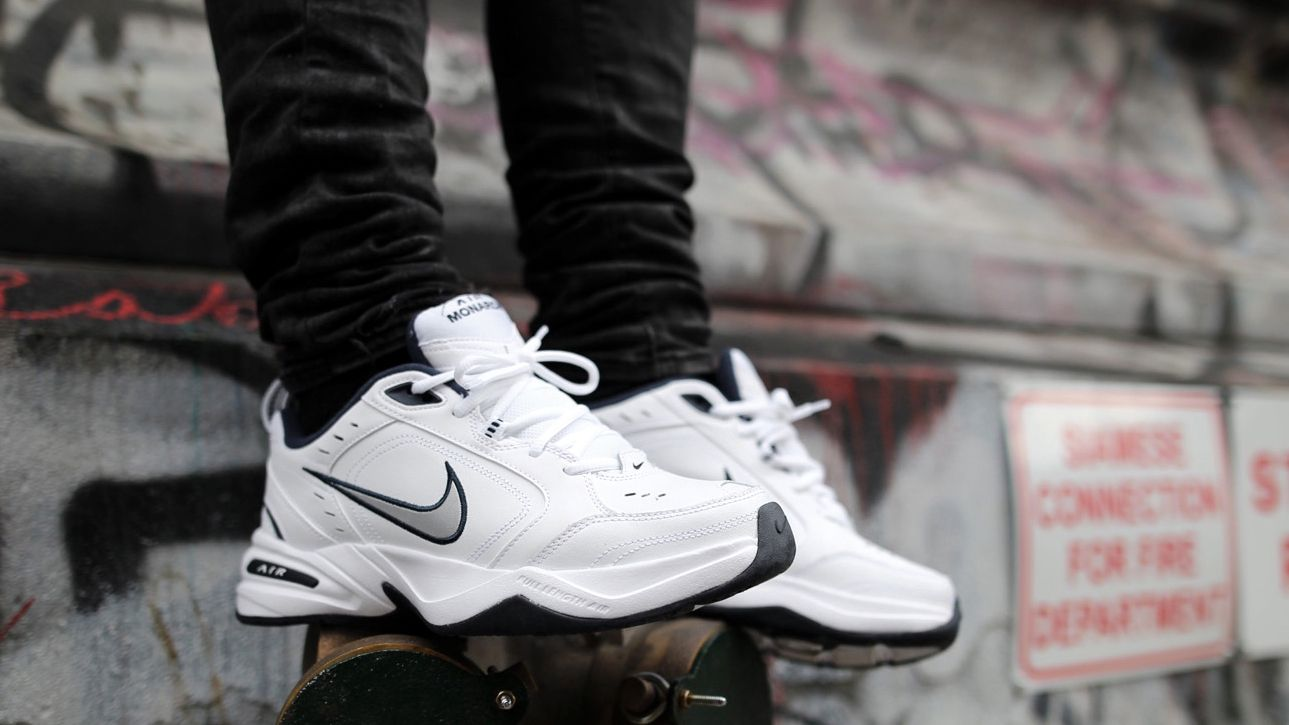 Nike Air Monarch IV  2b1c00d92