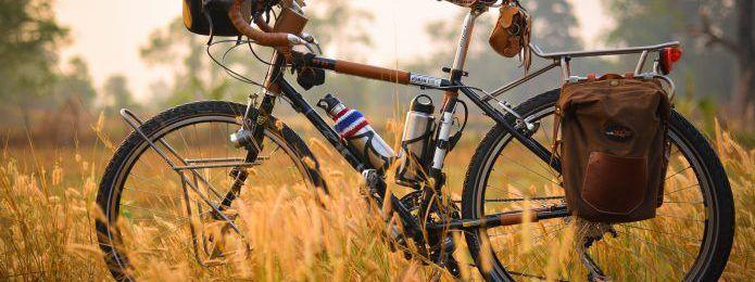 Photo of 旅好きやキャンパーはみんな持ってる?ガジェット好きにもおすすめの自転車フロントバッグ8選