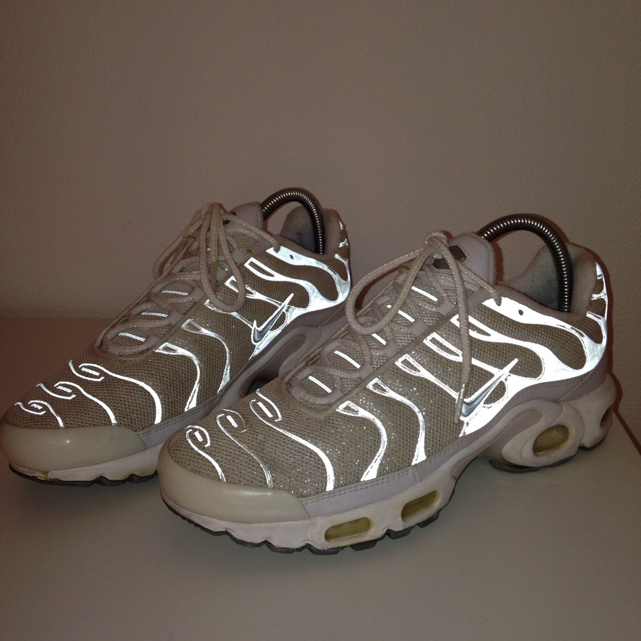 c7690369b10 GLITTER   3M AIR MAX TN. UK 6.5 link in bio to buy. Waviest mother fuckers  around. £78