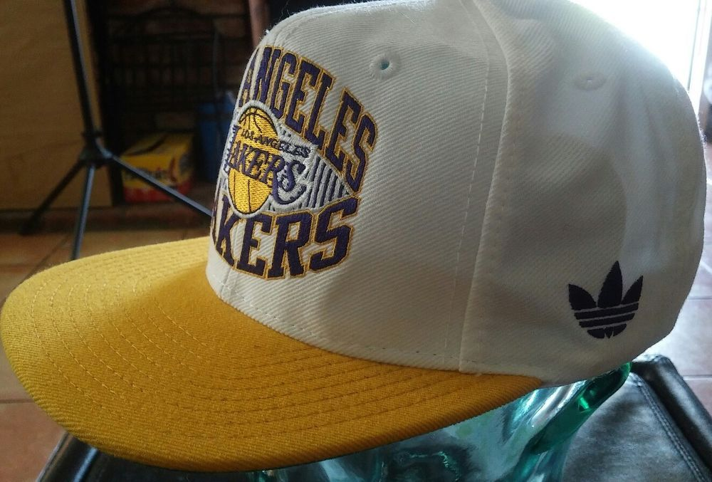 3fbb36d5db5 Los Angeles Lakers Adult Court Series Snapback Hat - White