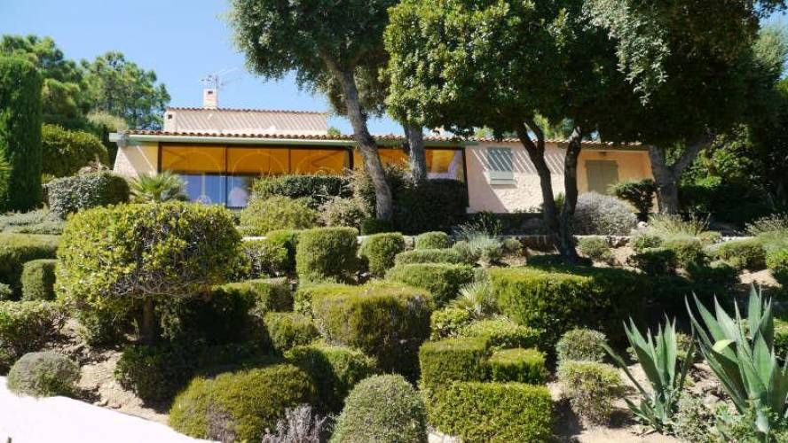 A vendre Villa provençale vue mer LES ISSAMBRES - Côte & Littoral