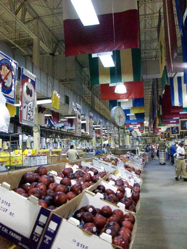 Your Dekalb Famers Market In Atlanta Is A Must Visit For Foodies Dekalb Farmers Market Your Dekalb Farmers Market Farmers Market
