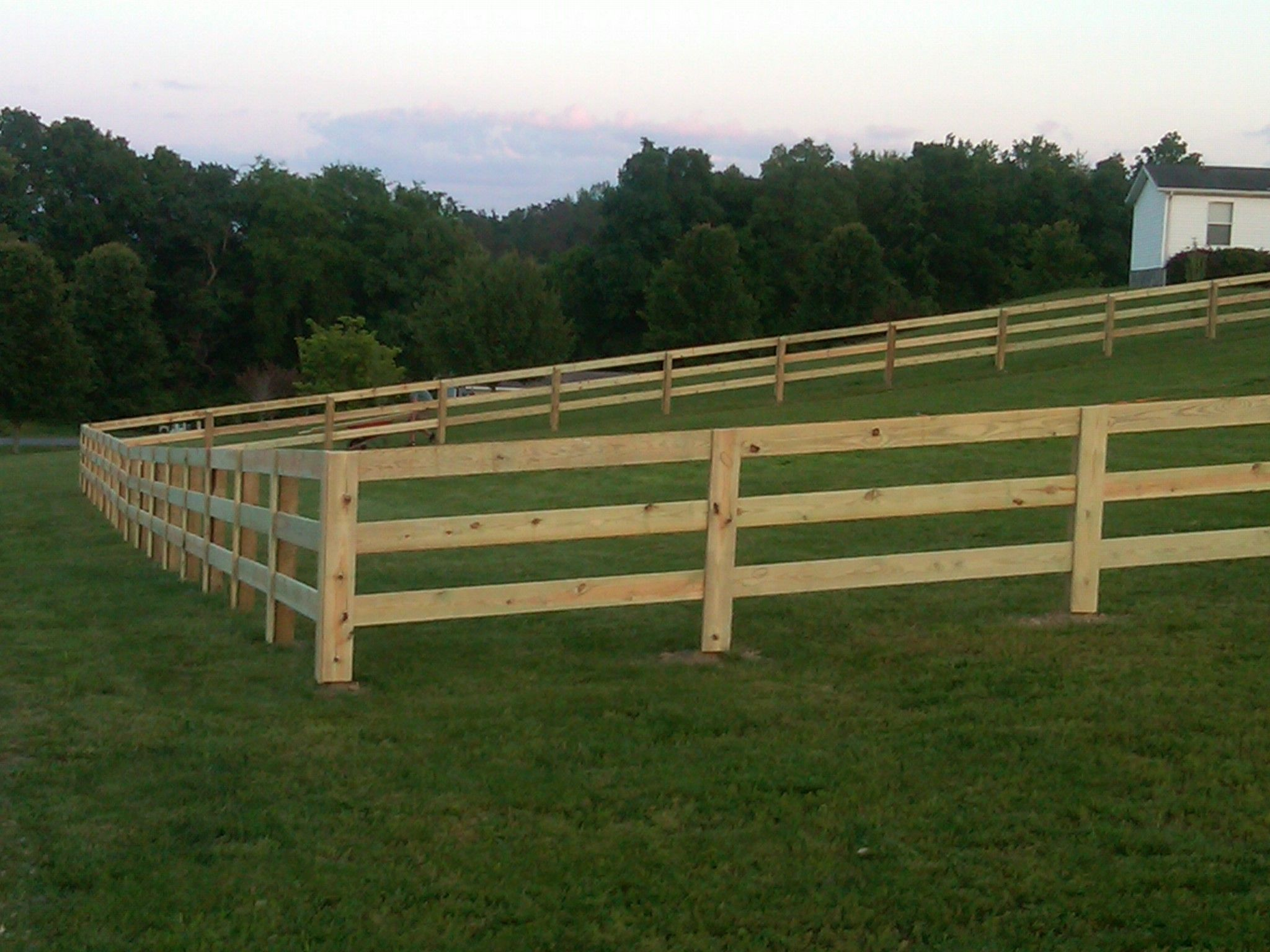 Pin By Laurie Morton On Backyard Improvements Horse Fencing Farm Fence Backyard Structures