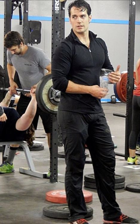 how to get a henry cavill physique