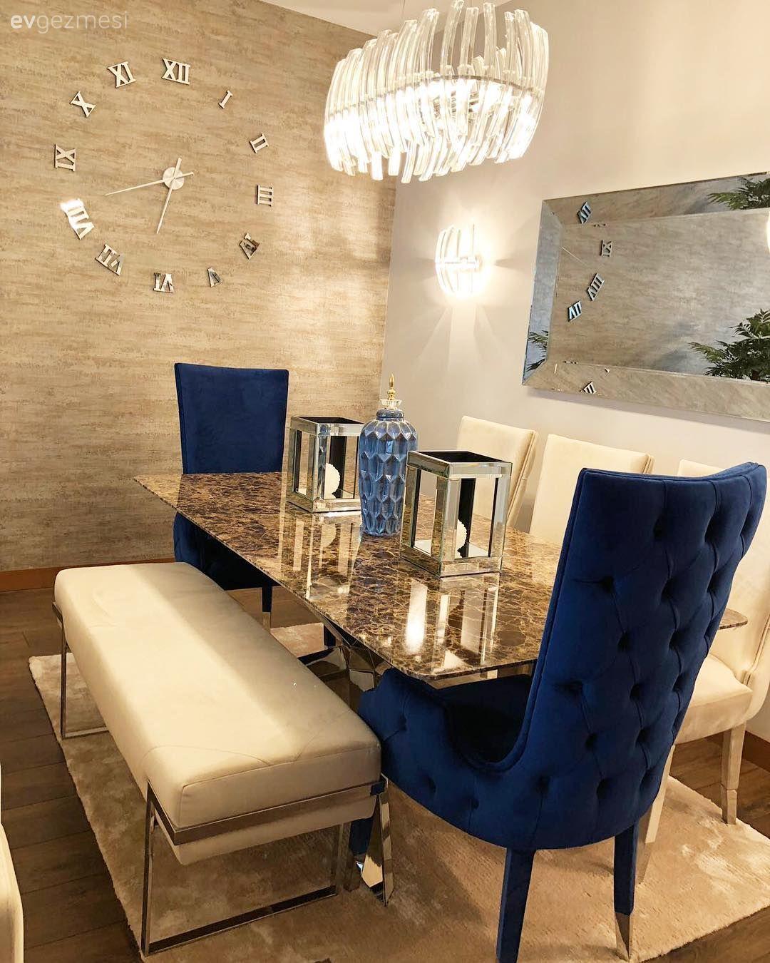 Aynalı mobilyalar, göz alıcı aksesuarlar.. Cazibe dolu bir salon dekoru.. | Ev Gezmesi