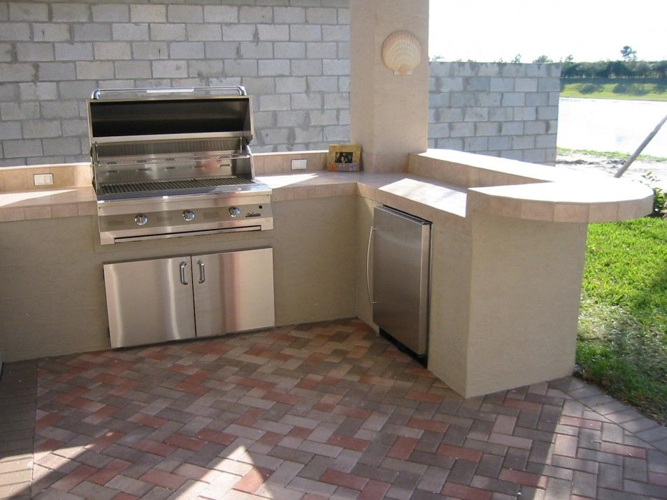 The luxury and spectacular view in beauty decor cheap outdoor kitchen ideas at elegant house for Cheap outdoor kitchen designs