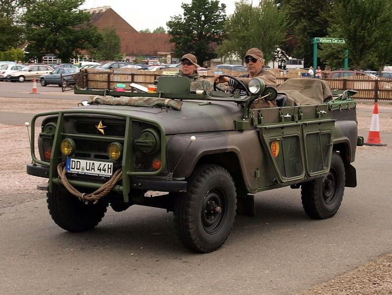 File:UAZ-469 pic1.JPG - Wikimedia Commons   Army vehicles, Military jeep,  Vintage trucks