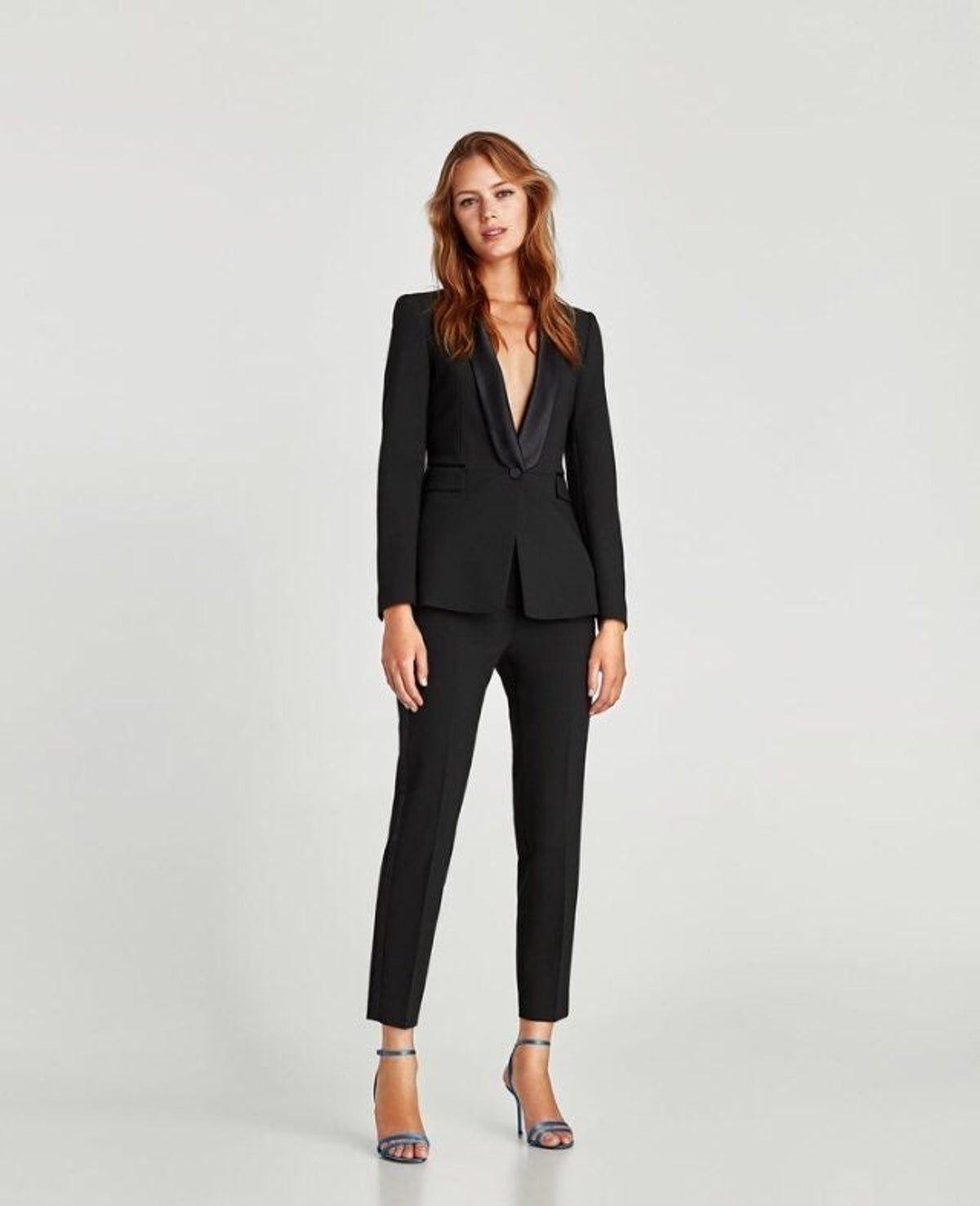 Kadinlarin Resmi Ve Sik Halinin En Guzzel Temsili Olan Bayan Takim Elbiseler Sizi Bambaska Biri Yapabilir Bayan Takim Elbise Modelleri Arasindan Dilediginizi S