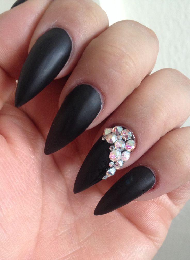 Black Matte Stiletto Nails | Pinned by Yvette Honaker | Nail Art :P ...