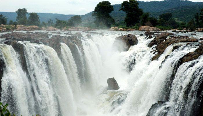Hogenakkal Falls, Dharmapuri district, Tamil Nadu ...