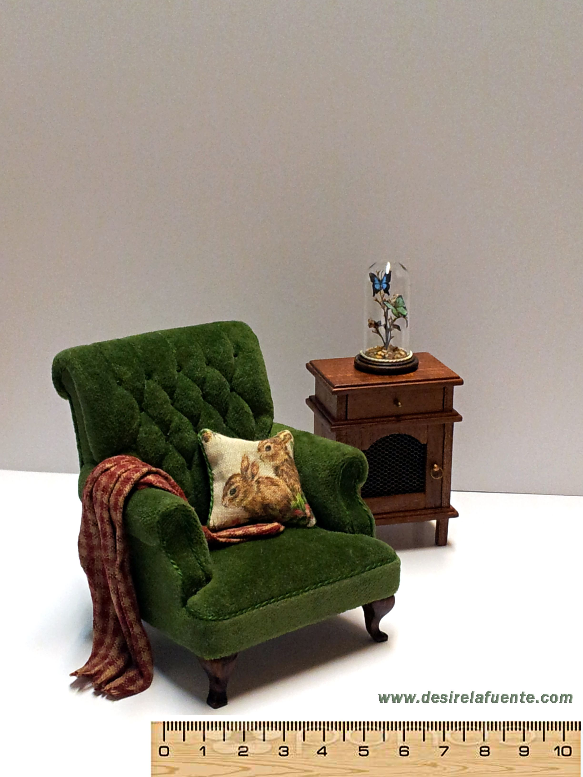 1:12 Dollhouse Miniature Doll Furniture Ancient Vintage Wood Arm Chair Sofa ♫