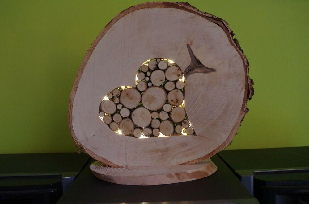 Baumscheibe mit Herz, gefüllt mit Birkenstämmchen & LED, Deko für Haus & Garten #holzscheibendeko