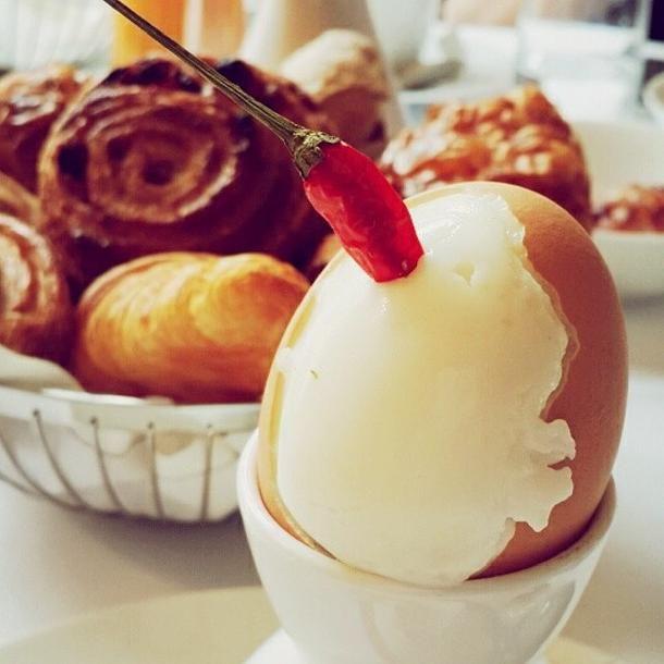Luxury Collection hôtels Paris : Prince de Galles, a Luxury Collection Hotel, Paris - In room breakfast service