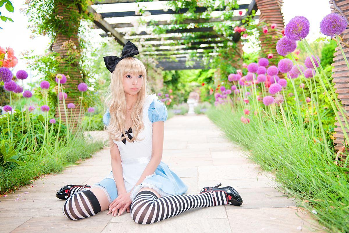 Coolest Diy Alice In Wonderland Group Costume