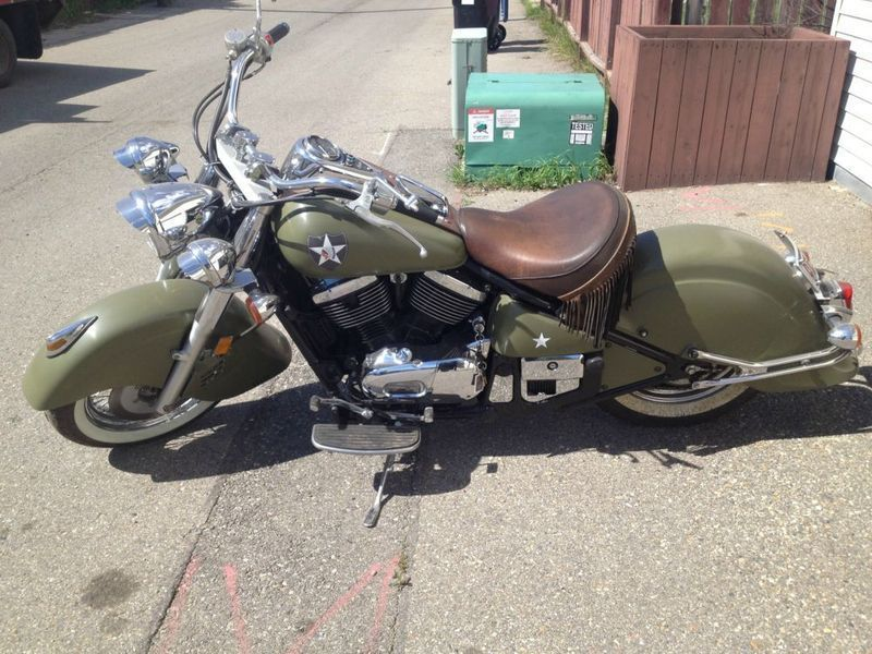Vulcan Drifter sporting a WWII look. Vintage indian