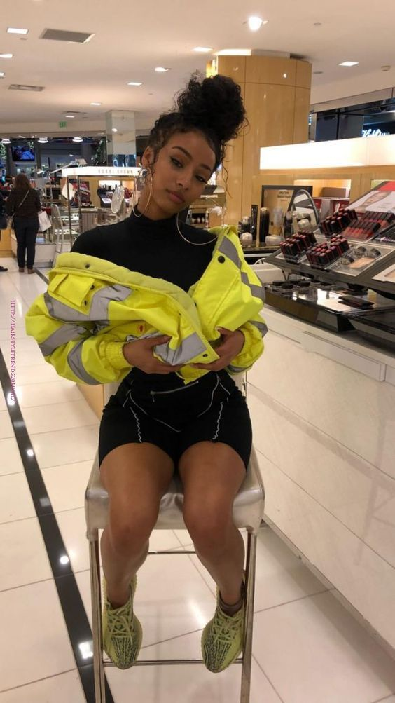 frozen yellow yeezy outfit