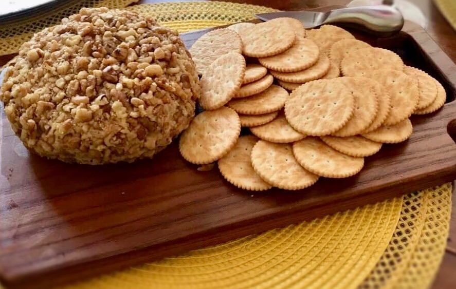Maple Dijon Vegan Cheese Ball Its So Delicious Ingredients 1 1 2 Cups Raw Cashews Soaked In Water 4 8 Hours Ri Food Processor Recipes Food Vegan Cheese