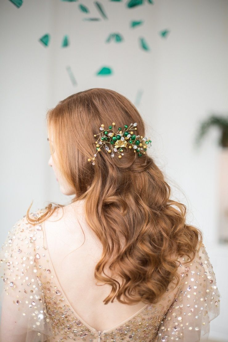Emerald and gold hair comb - Glittering Gold Wedding Dress | fabmood.com #wedding #weddingstyledshoot #weddingphotos #weddinginspiration #weddingphotography #fineartwedding #fairytalewedding