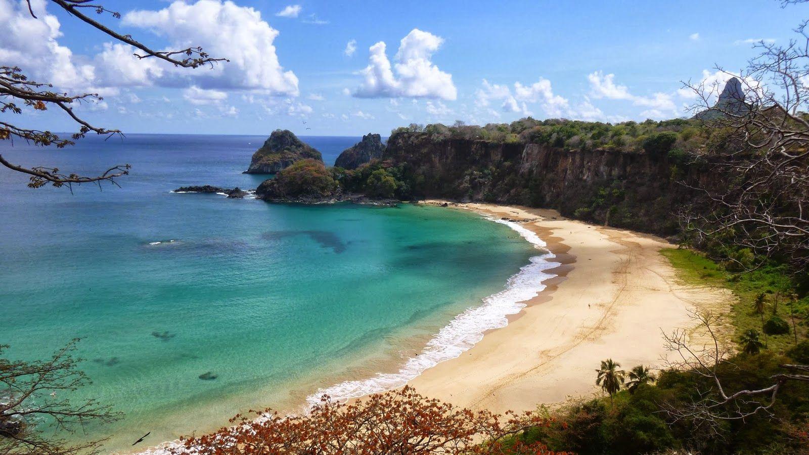 Praia do Sancho, Fernando de Noronha, Brasil.  http://www.mundoam.com ♥