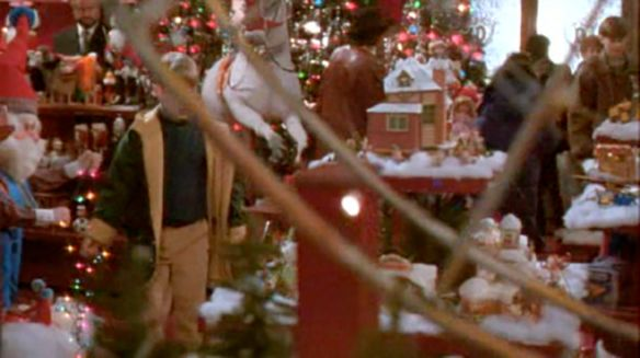 15 Things That Always Bothered Me About Home Alone 2 Home Alone Toy Store Holiday Decor