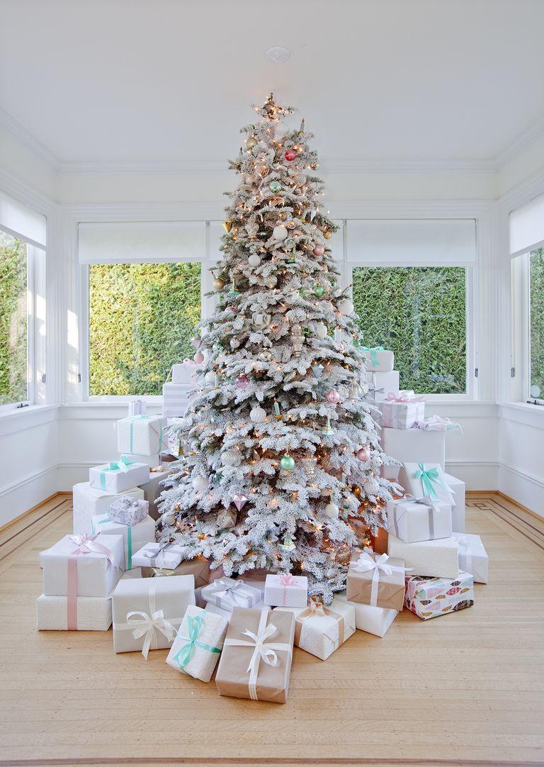 50 Stunning Christmas Tree Ideas 2019 Best Christmas Tree Decorations In 2020 Elegant Christmas Tree Decorations Holiday Decor White Christmas Trees