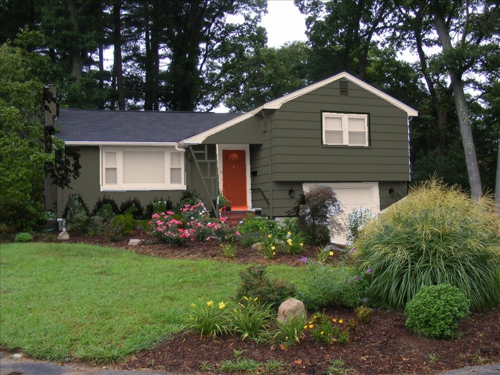 Exterior Paint Color Schemes. lovely home front yard with ...