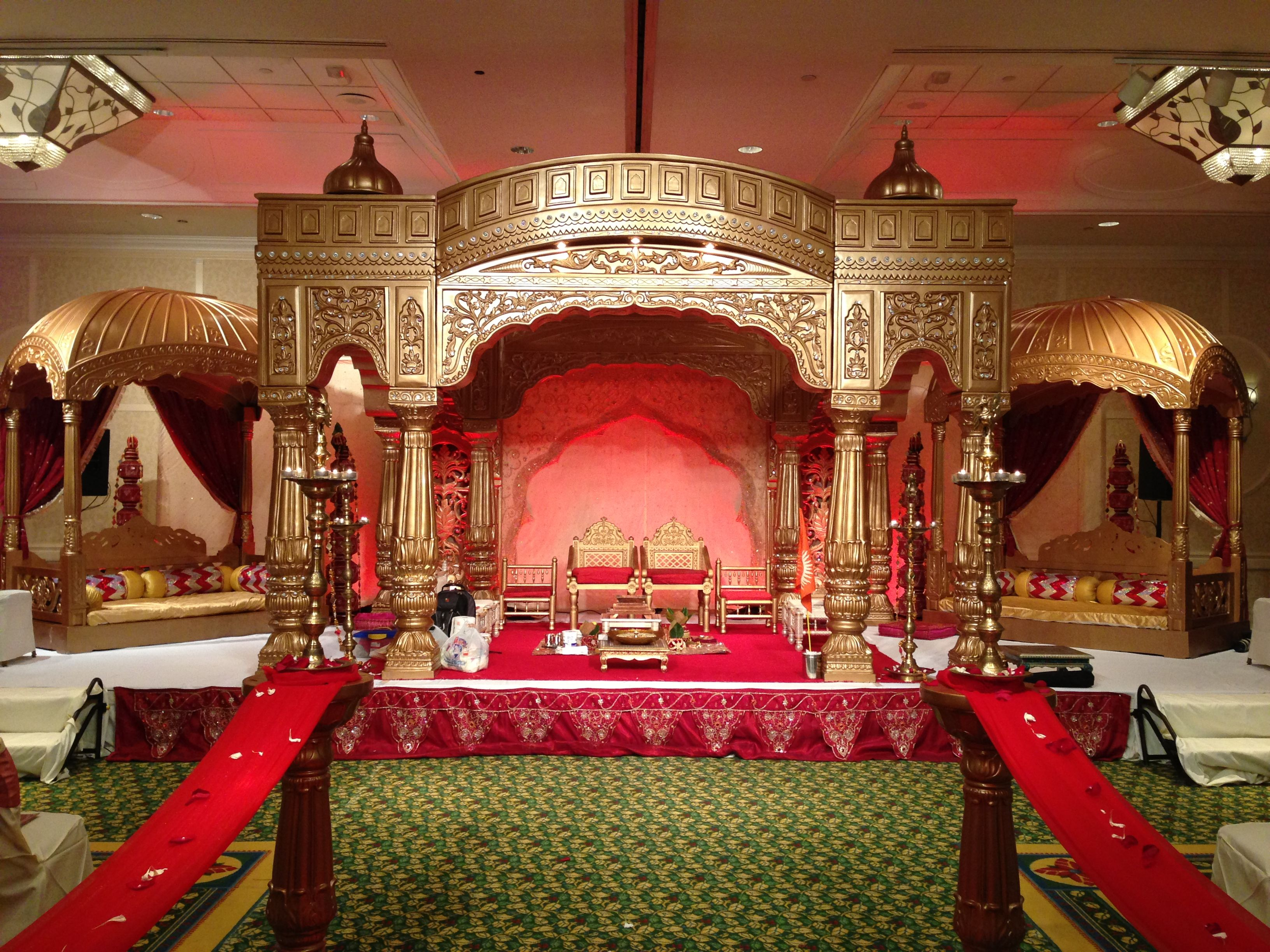 golden royal palace mandap by of atlanta. Black Bedroom Furniture Sets. Home Design Ideas