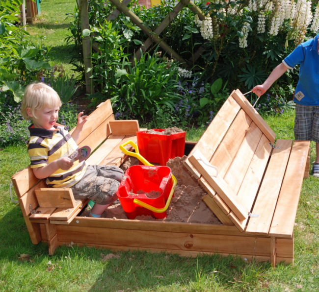 selber bauen sandkasten klein modell klappen deckel regen schutz kinderspielplatz pinterest. Black Bedroom Furniture Sets. Home Design Ideas