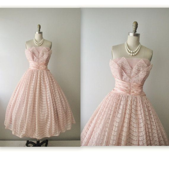50's Prom Dress // Vintage 1950s Strapless Pink Lace Tulle