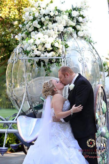 Wedding Spotlight Britni Jason Magical Day Weddings A Wedding Atlas Fan Site For Disney Weddings Wedding Disney Wedding Unique Wedding Presents