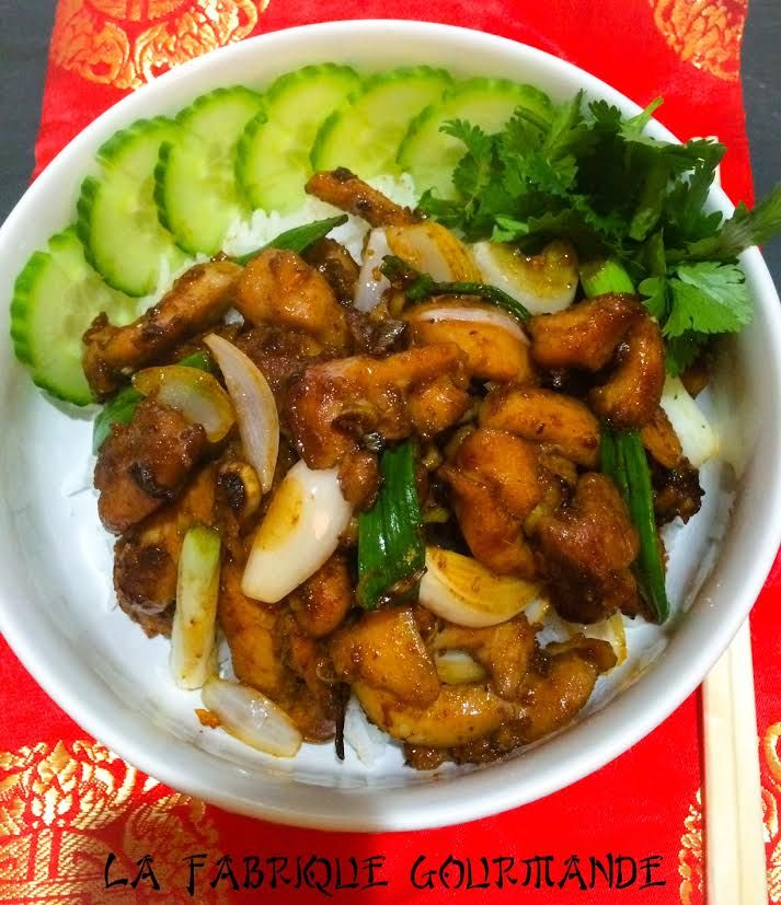 Cuisine Vietnamienne: Poulet à La Citronnelle Vietnamien Gà Xào Xả ớt