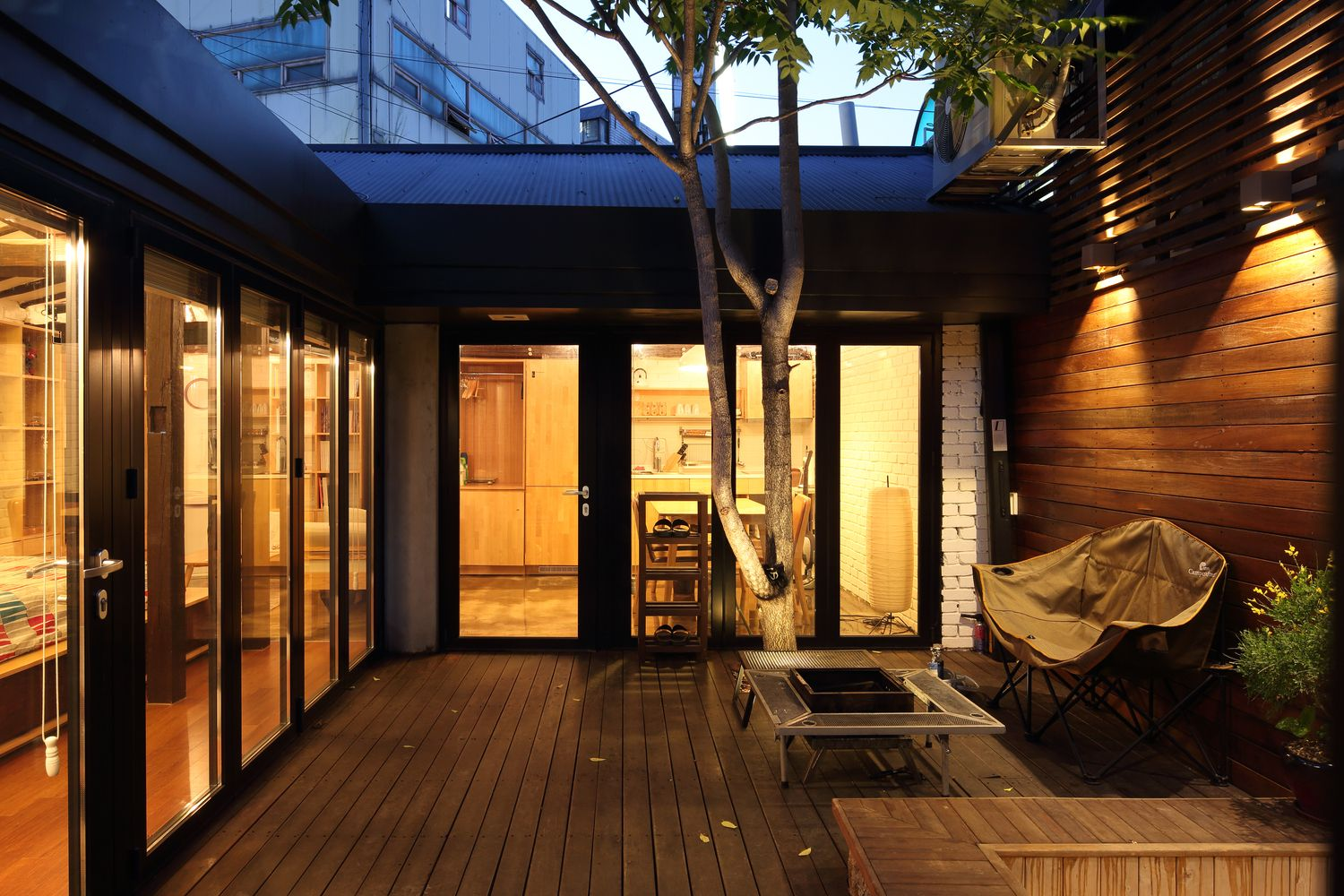 Creative house by z lab south korea courtyard traditional korean house built in 1937 was converted into a contemporary home